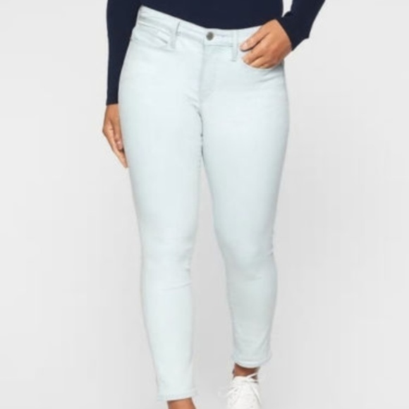 31f869f5f14 Athleta Sculptek Skinny Crop Biscayne Wash Jean 10